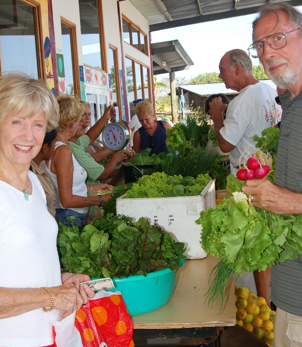 Farmers Market at FLM