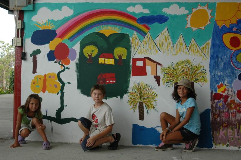 Mural ArtforKids class at FLM