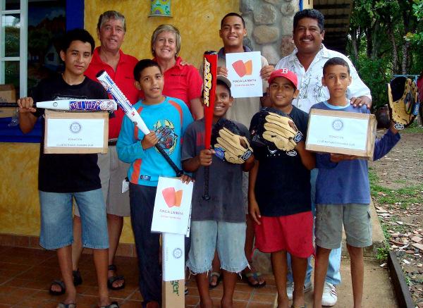 2_Baseball Little League_Donation FLM+Rotary Club